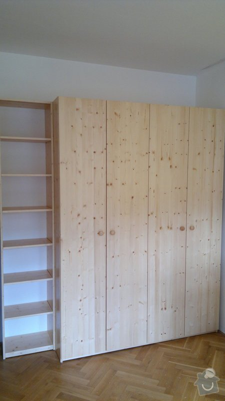Dřevěná skříň: 2014-06-16-061