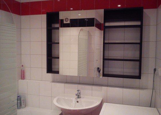 Zrcadlová skříňka+poličky do koupelny