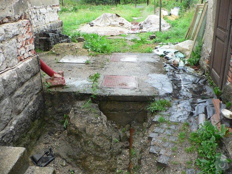 Výkopové práce - likvidace septiku, příprava na ČOV: P1030284