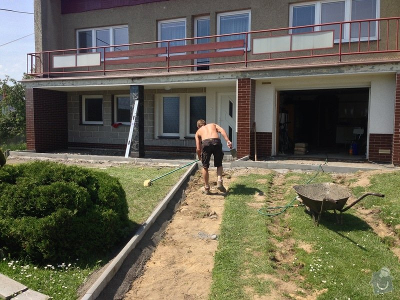 Opravu vjezdu do domu a chodník k domu: IMG_1445