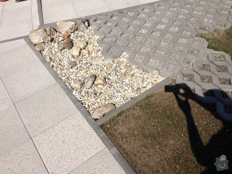 Opravu vjezdu do domu a chodník k domu: IMG_1580
