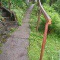 Oprava chodnicku schodiste zvyseni zidky betonovani zabradli  chodnicek 2