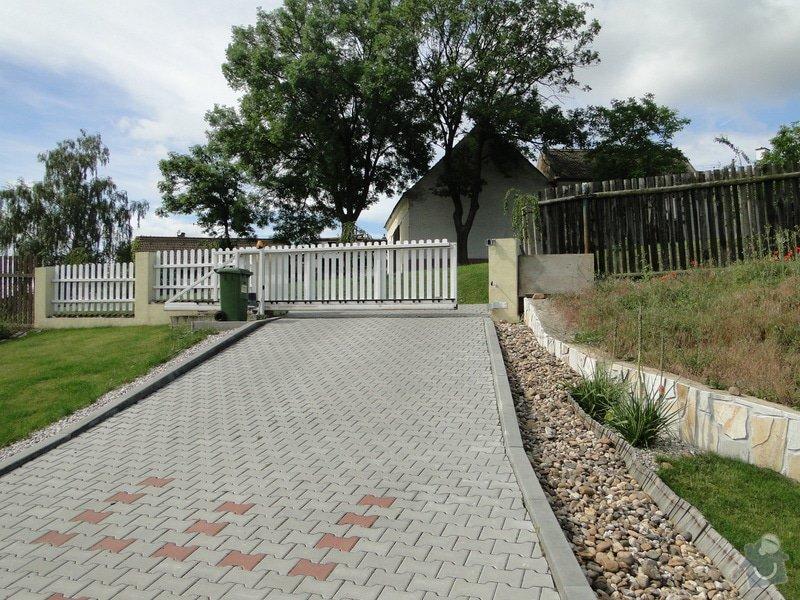 Výstavba plotu a schodu u rodinného domu: DSC04438