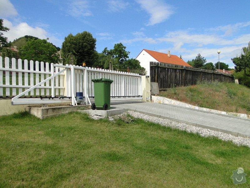 Výstavba plotu a schodu u rodinného domu: DSC04439