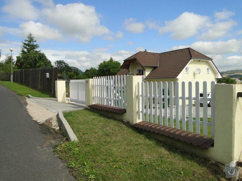 Výstavba plotu a schodu u rodinného domu: DSC04441