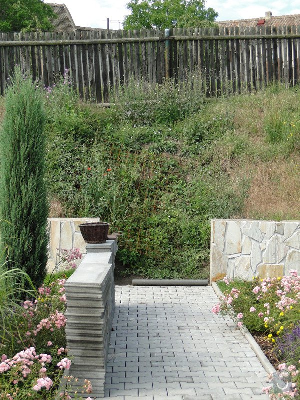 Výstavba plotu a schodu u rodinného domu: DSC04442