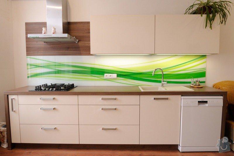 Rovná kuchyně do bytového domu, Karlovy Vary: DSC_3681