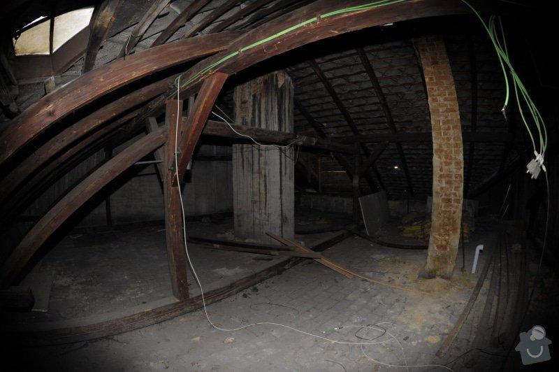 Rekonstrukce střechy + 2 vikýře: strecha2