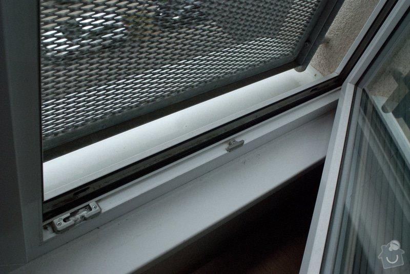 Sítě proti hmyzu: okno_dole