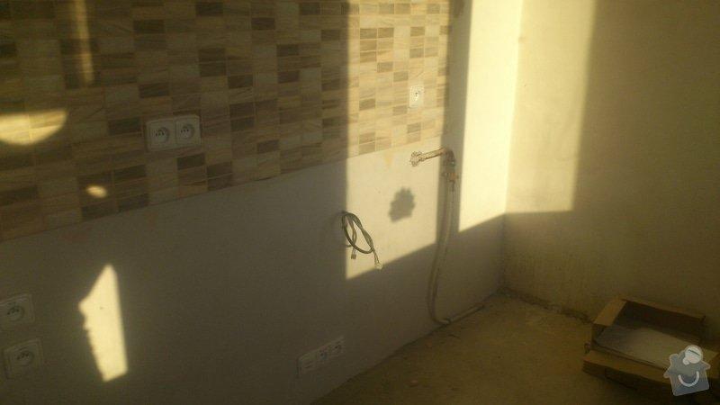 Výměna 4 radiátorů, úprava umístění plyn. kohoutu v kuchyni: DSC_0862