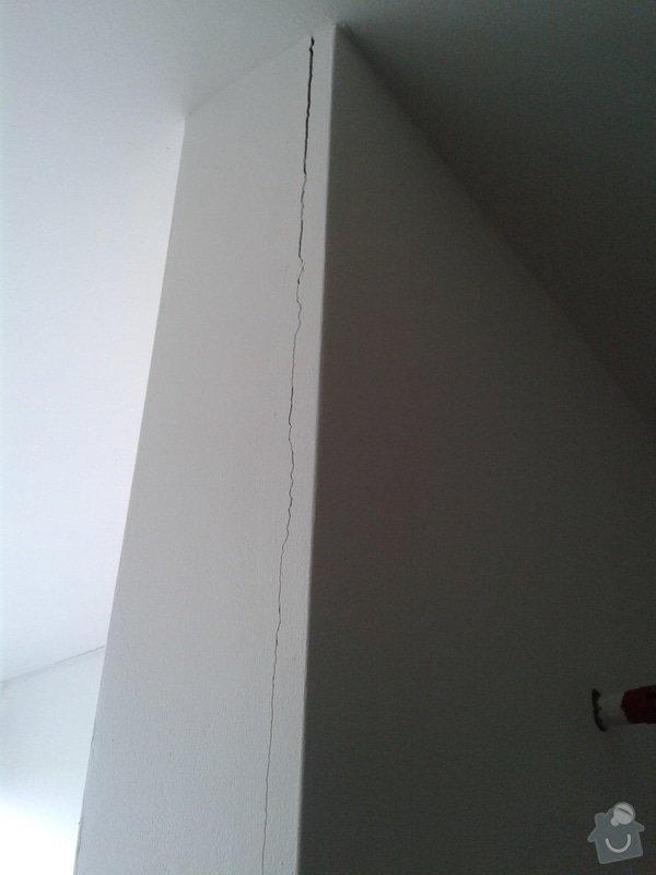 Opravy v bytě - Novostavba: c._2_-_praskla_omitka_v_koupelne