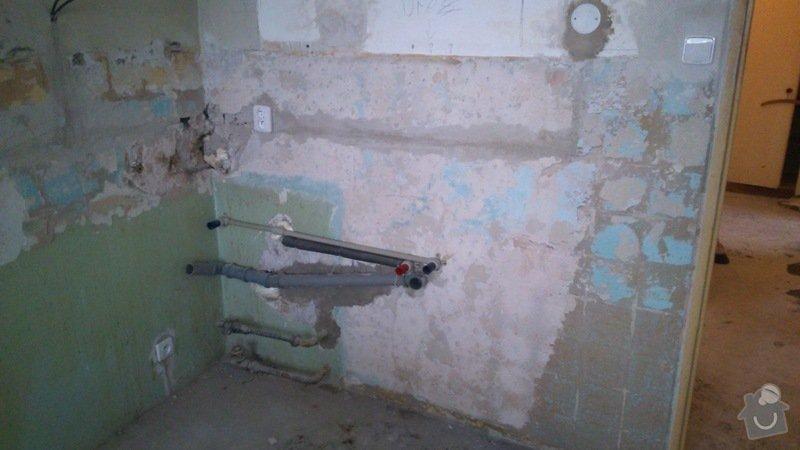 Zarovnani dvou sten a vyrovnani podlahy (2 mistnosti, 21m2): DSC_0063_1_