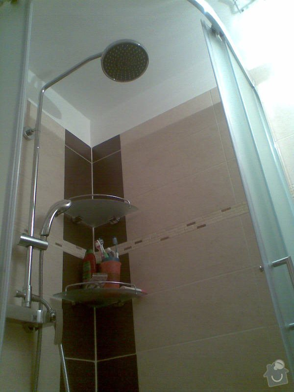 Rekonstrukce bytu 1+1 (koupelna, elektroinstalace, podlaha): Obraz077