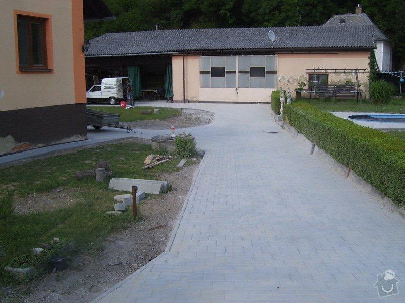 Vydláždění příjezdové cesty a dvora cca 150m2 + izolace zdí domu cca 20bm (možno i jednotlivě jako dvě zakázky): Volyne_1
