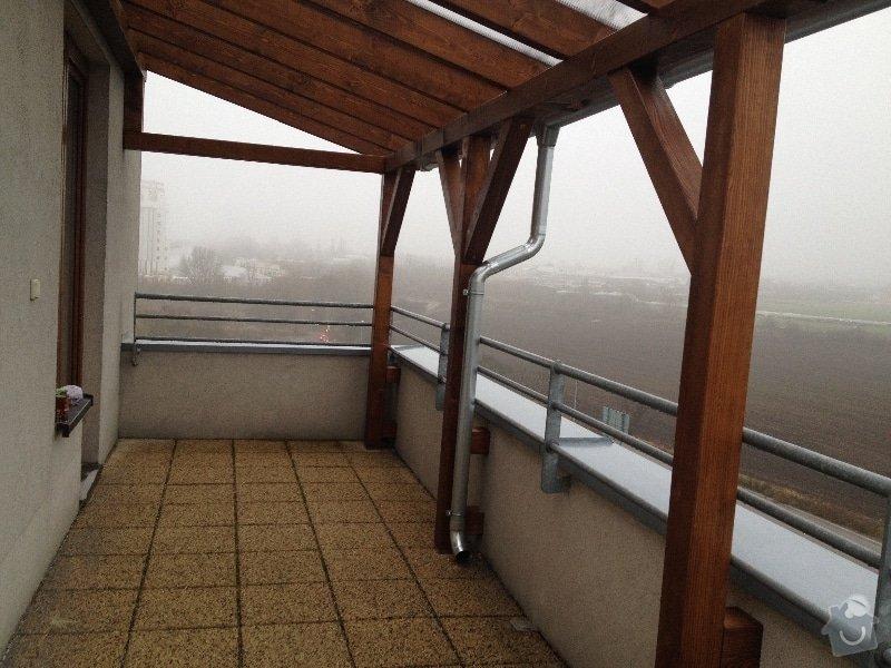 Zastřešení terasy na bytovém domě v patře: pergola