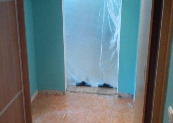 Vymalovat 2 pokoje a koupelnu