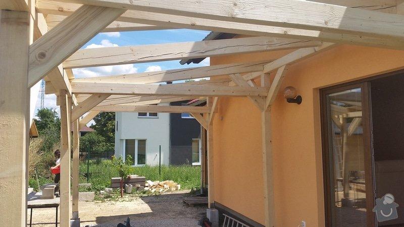 Ztotovení  pergoly nad terasou rozměr  5x3 m. včetně oplechování + střešní krytina - tašky.: 20140706_124736