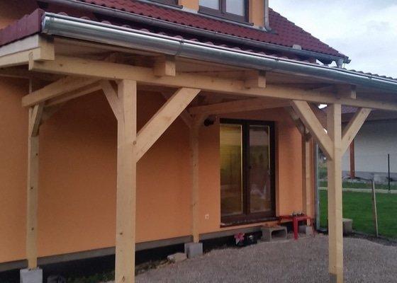Ztotovení  pergoly nad terasou rozměr  5x3 m. včetně oplechování + střešní krytina - tašky.