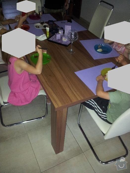 Jídelní stůl: stul_jidelni_TP