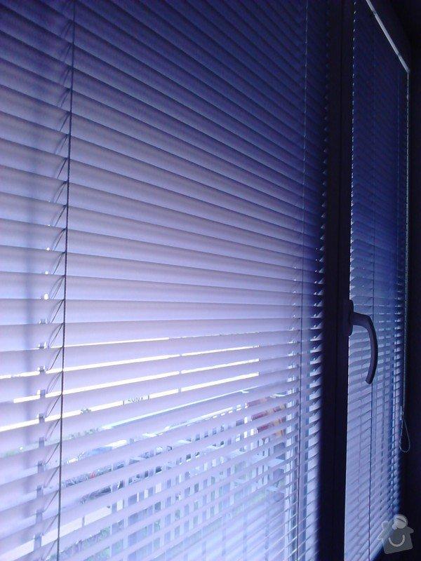 Žaluzie (3 okna + balkon), síť proti hmyzu (2 okna): DSC_0174