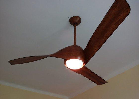 Instalace stropního ventilátoru, včetně zapojení transformátoru a svěšení původního stropního osvětlení