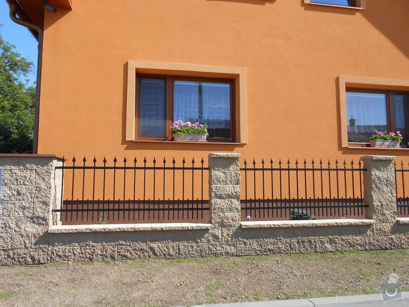 Kovaný plot a kovaná posuvná brána: DSCN1288