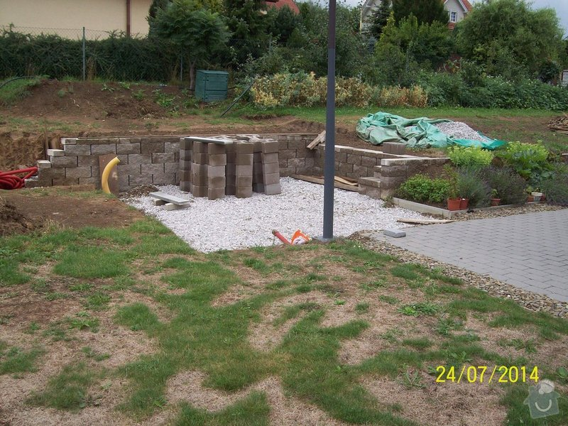 Znovu položení a rozšíření zámkové dlažby kolem stávajícího rodinného domu: Image00003