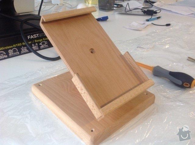 Dřevěné stojánky na tablety: image