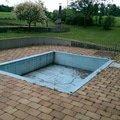Zasypani bazenu a polozeni zamkove dlazby imag0072