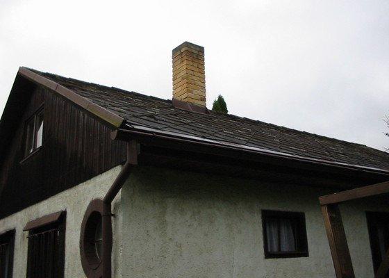 Oprava střechy (výměna eternit za plech)