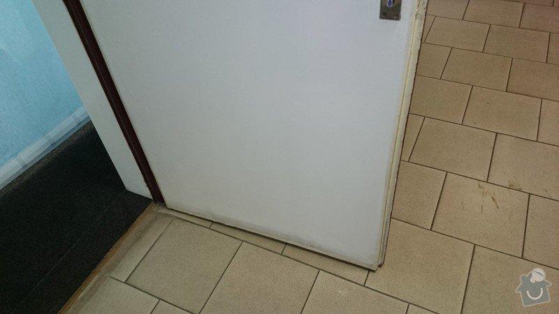 Vsazení větrací mřížky do kancelářských dveří: DSC_000001