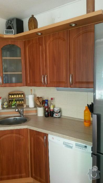 Výroba kuchyňské linky, knihovna nástavba na psací stůl a vestavěná skříň s obložkou a podstropním úložným prostorem: h_17_
