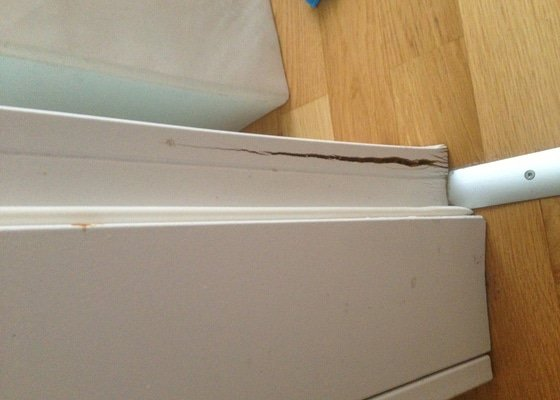 Oprava dveřních zárubní