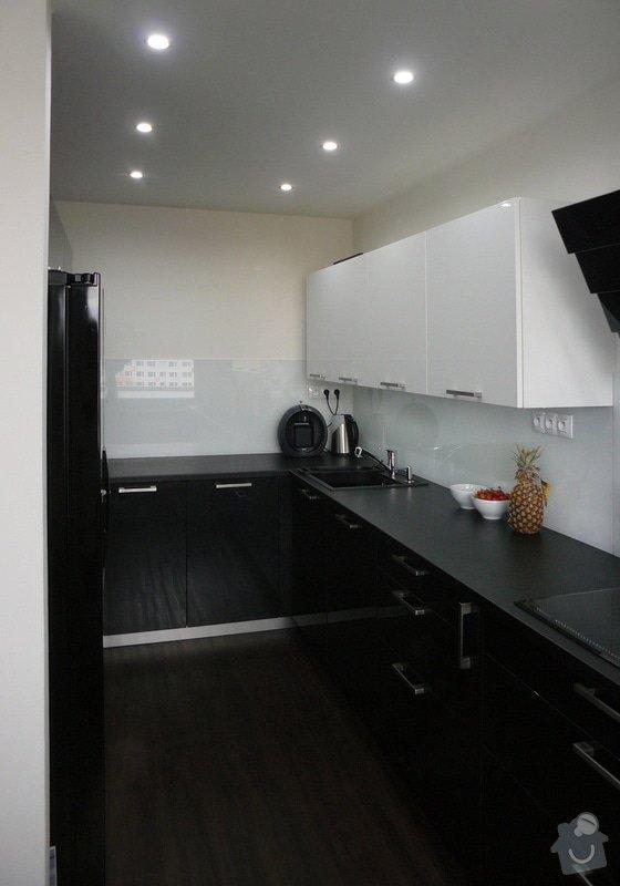 Moderní kuchyň: Cerny_kuchyn_04