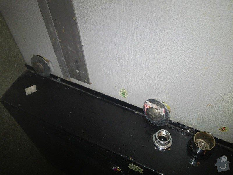 Přidělání umyvadla na umakartovou stěnu, výměna umyvadlové baterie: IMG_20140801_132254