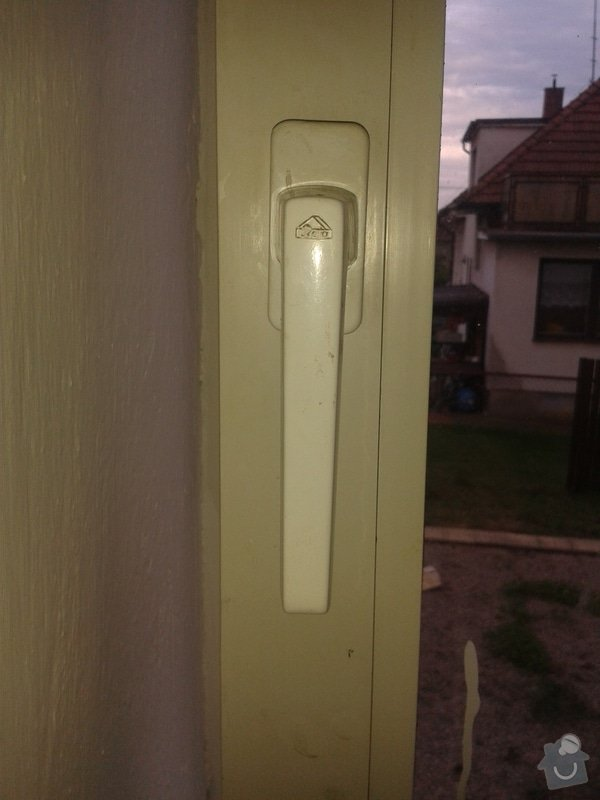 Seřízení plastových oken: 20140804_175823
