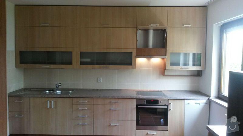Kuchyňská linka,vestavěná skříň, pracovní kout a úložný prostor: K_7_