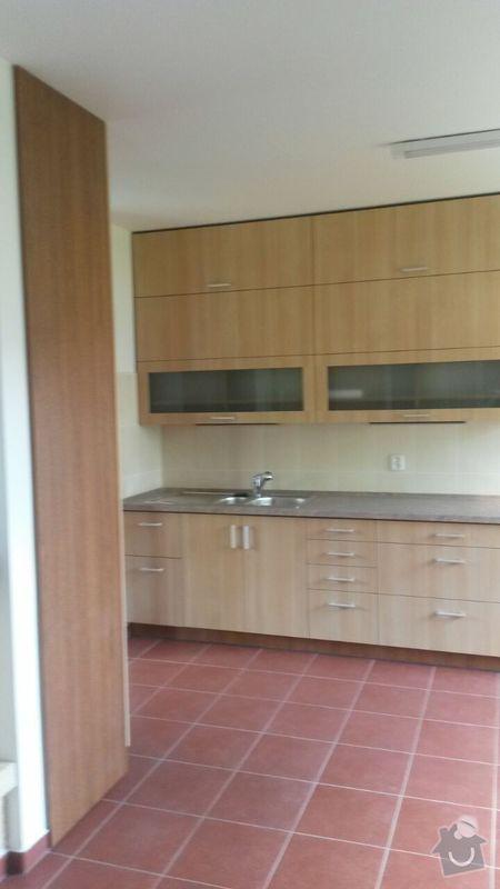 Kuchyňská linka,vestavěná skříň, pracovní kout a úložný prostor: K_18_