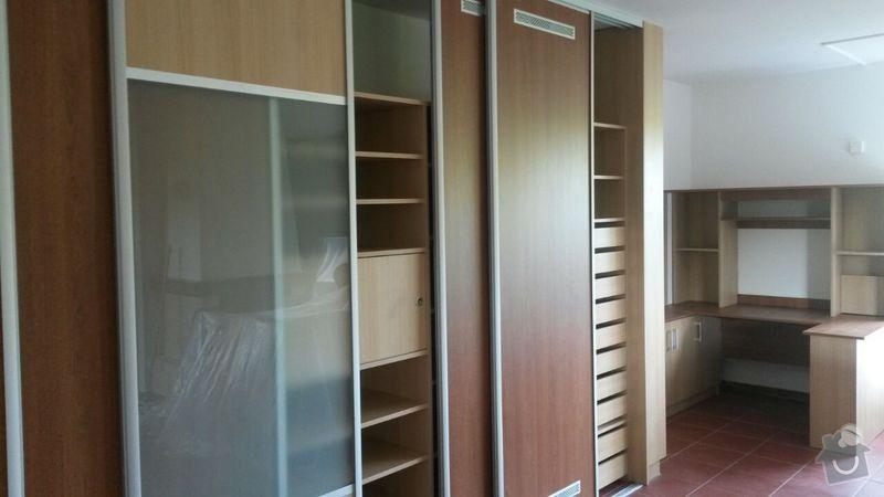Kuchyňská linka,vestavěná skříň, pracovní kout a úložný prostor: K_10_