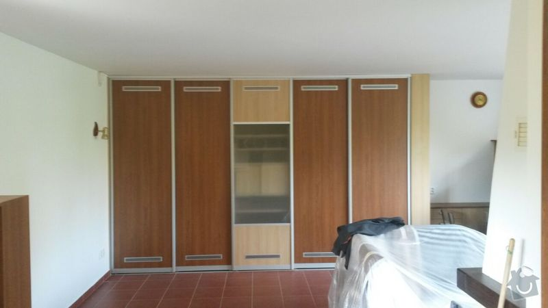 Kuchyňská linka,vestavěná skříň, pracovní kout a úložný prostor: K_13_