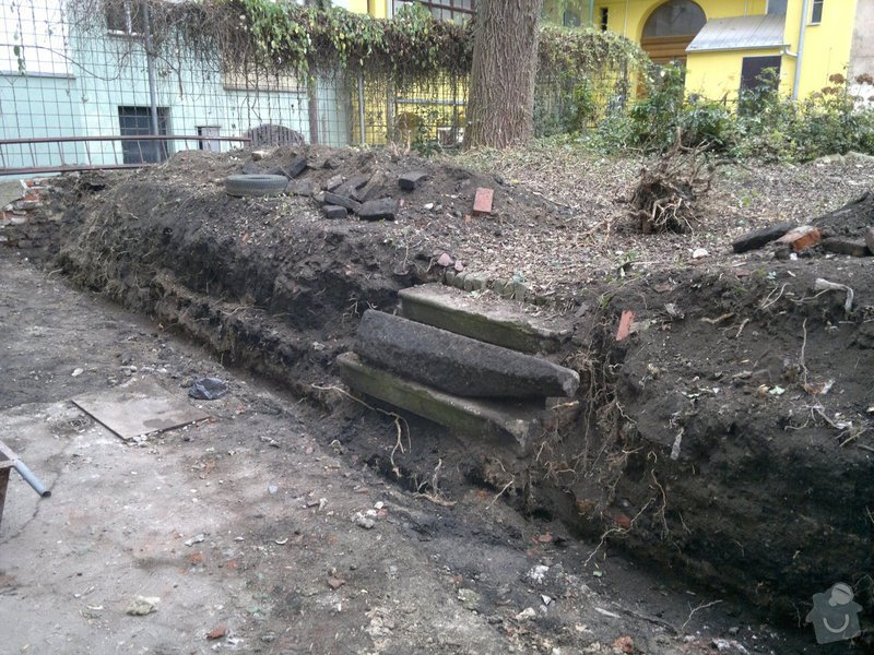 Rekonstrukce dvoru vnitrobloku.: 12.11.2013