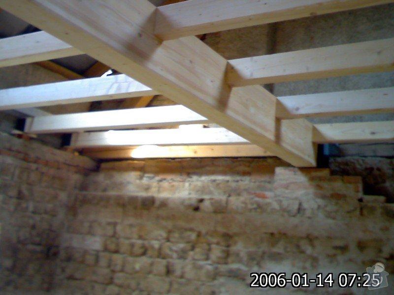 Dřevěná stropní konstrukce: FOTKY_PDA_047