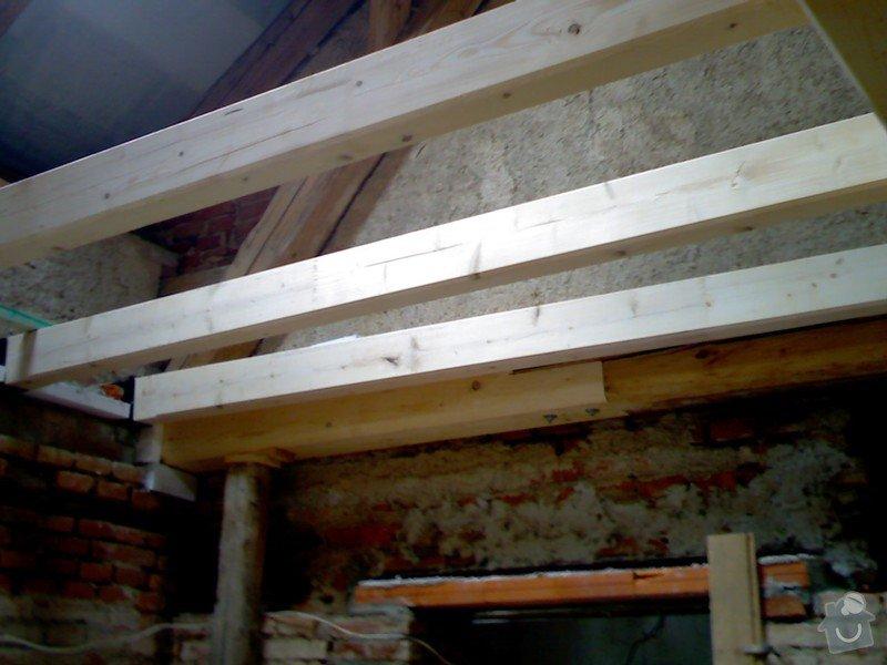 Dřevěná stropní konstrukce: FOTKY_PDA_061