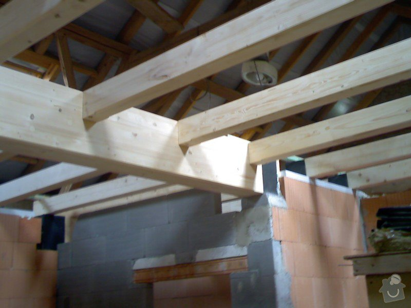 Dřevěná stropní konstrukce: FOTKY_PDA_062
