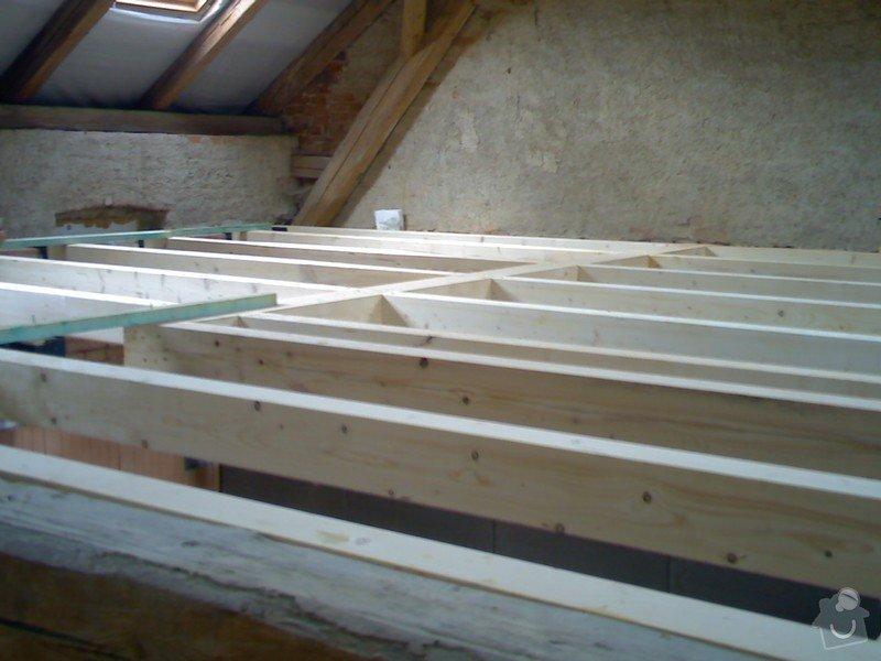 Dřevěná stropní konstrukce: FOTKY_PDA_068