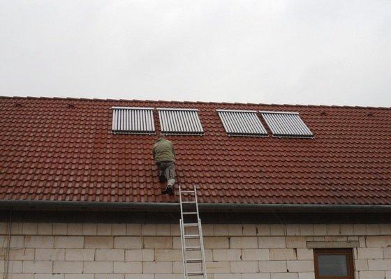 Solární ohřev vody s přitápěním