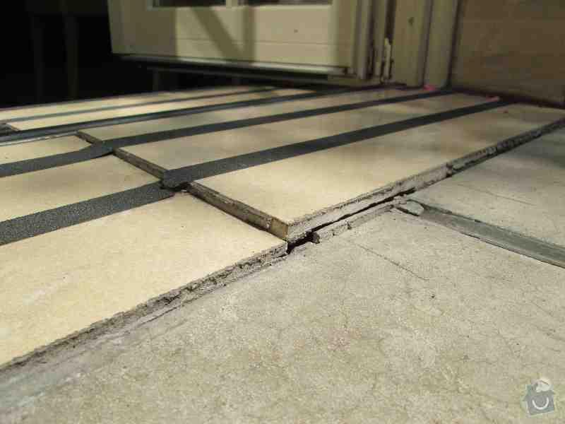 Drobné opravy terasy: IMG_1184