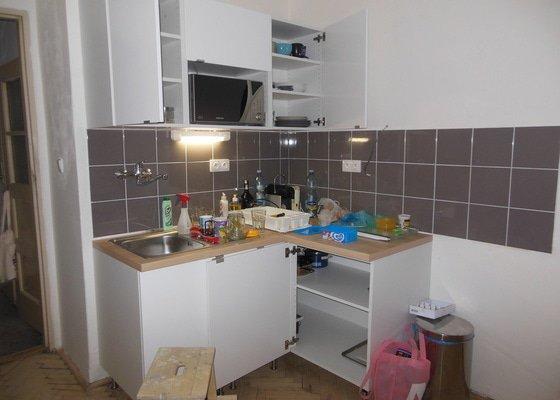 Rekonstrukce koupelny a wc, obklad kuchyně