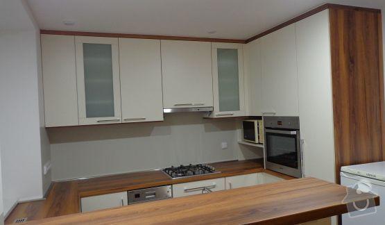 Výroba kuchyně: a