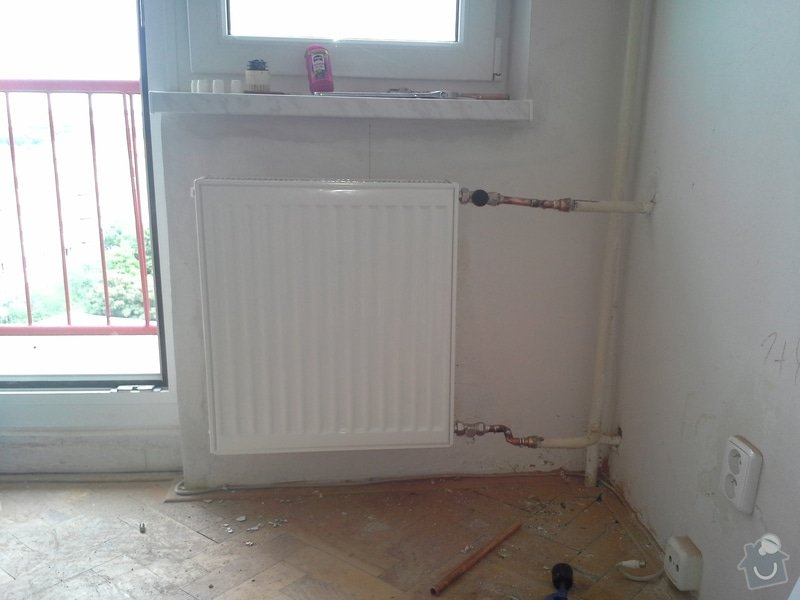 Výměna 4 radiátorů, úprava umístění plyn. kohoutu v kuchyni: 20140812_150001